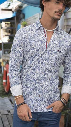 Camisas estampado flores hombre
